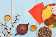 Tiro chino de la sobremesa del Año Nuevo del Año Nuevo de la endecha plana El niño roba Foto de archivo libre de regalías