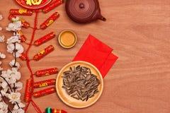 Tiro chino de la sobremesa del Año Nuevo del Año Nuevo de la endecha plana El niño roba Imagen de archivo