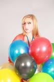 Tiro colorido de la muchacha adolescente con los globos Fotografía de archivo
