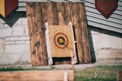 tiro con l'arco antico antiquato fotografie stock libere da diritti