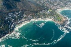 Tiro da antena de Clifton Cape Town fotografia de stock royalty free