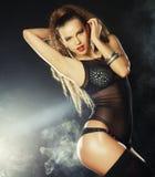 Tiro da forma do dançarino 'sexy' novo do strip-tease Fotografia de Stock Royalty Free