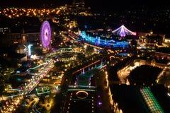 Tiro de alto ángulo del nightview de la iluminación foto de archivo libre de regalías