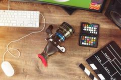 Tiro de escritorio de una cámara moderna del cine fotografía de archivo libre de regalías