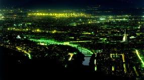 Tiro de la antena de la noche de Turín Italia foto de archivo libre de regalías
