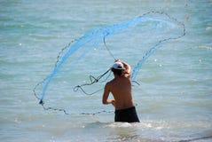 Tiro de la red de pesca imagen de archivo libre de regalías