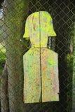 Tiro de madeira do alvo do regaço na área de terras do desarmamento para o Paintball Fotografia de Stock Royalty Free