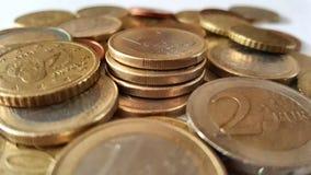 Tiro del primer de las pilas de monedas euro fotos de archivo libres de regalías