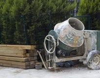Tiro del primer del mezclador usado del cemento Fotos de archivo libres de regalías