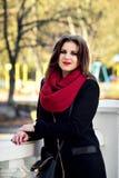 Tiro di foto di autunno, prova di modello di bella ragazza nel parco Fotografie Stock