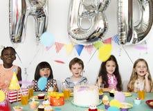Tiro diverso das crianças imagens de stock royalty free