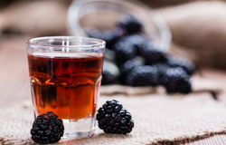 Tiro do licor de Blackberry Fotografia de Stock Royalty Free