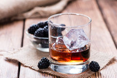 Tiro do licor de Blackberry Fotos de Stock Royalty Free