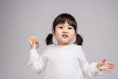 Tiro do retrato do estúdio do bebê asiático dos anos de idade 3 - isolado Imagens de Stock