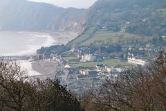 Tiro do Telephoto de Sidmouth da parte superior do monte de Salcombe fotografia de stock royalty free