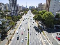 Tiro do zangão em uma cidade grande no mundo, a vizinhança de Itaim Bibi, a cidade de Sao Paulo Imagem de Stock Royalty Free