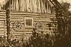 Tiro escénico de los edificios viejos del granero Foto de archivo libre de regalías
