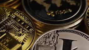 Tiro giratorio del cryptocurrency digital de Bitcoins metrajes