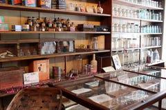 Tiro interior da loja que tratou uma vez os compradores no canal de Erie, Palmyra velho, New York, 2018 foto de stock