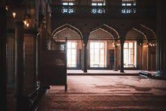 Tiro interior da mesquita em Istambul, Turquia Fotografia de Stock Royalty Free