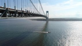 Tiro 4k do zangão da ponte dos estreitos de Verrazano video estoque