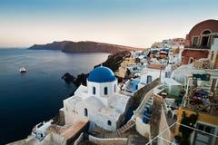 Tiro largo de Oia Santorini Foto de Stock Royalty Free