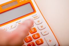 Tiro macro da calculadora do imposto Imagem de Stock Royalty Free