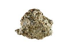 Tiro macro da pedra preciosa natural O mineral cru é arsenopyrite indonésia Objeto isolado em um fundo branco fotos de stock royalty free