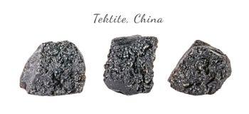 Tiro macro da pedra preciosa natural Tektite mineral cru, China Objeto isolado em um fundo branco Fotografia de Stock