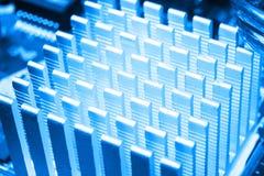 Tiro macro da placa de circuito com microchip dos resistores e componentes eletr?nicos Tecnologia de material inform?tico Communi imagens de stock royalty free
