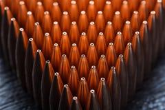 Tiro macro das balas de cobre que estão em muitas fileiras Foto de Stock Royalty Free