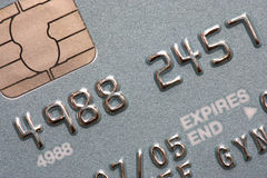 Tiro macro de la viruta y del contacto de la tarjeta de crédito fotos de archivo libres de regalías