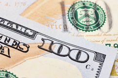 Tiro macro de um dólar americano 100 Foto de Stock Royalty Free