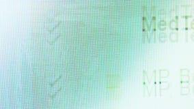 Tiro macro del buzón de entrada del correo electrónico que hojea en un monitor de computadora almacen de video