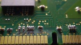 Tiro macro del carro de la placa de circuito verde de la memoria almacen de video