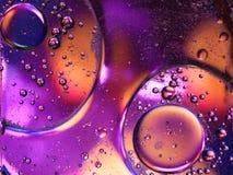 Tiro macro do líquido ou do ar o sctructure de vidro abstrato da molécula, o tiro macro 3d rende com profundidade de campo Foto de Stock