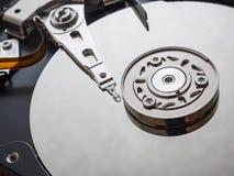 Tiro macro do mecanismo do disco rígido imagens de stock