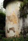 Tiro medio de la torre de guardia de la esquina vieja en la prisión colonial de la era adentro Foto de archivo libre de regalías