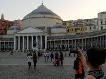 Tiro na praça Plebiscito, Nápoles fotografia de stock royalty free
