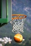 Tiro que gana - baloncesto Fotos de archivo