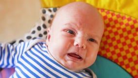 Tiro recién nacido gritador del primer del bebé metrajes