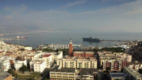Tiro a?reo de Gaeta y de la base naval Italia almacen de metraje de vídeo