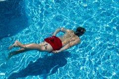 Tiro subacuático en la piscina Imagen de archivo