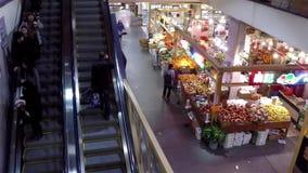 Tiro superior de alimentos do cliente e da escada rolante de compra da tomada filme