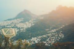 Tiro verdadeiro de Rio de janeiro, vista superior do deslocamento da inclinação Fotos de Stock Royalty Free