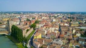 Tiro video aéreo com o zangão de Verona Fotos de Stock Royalty Free