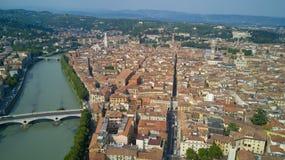 Tiro video aéreo com o zangão de Verona Foto de Stock