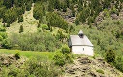 Tirol sul, vale de Ridnaun Capela pequena nas montanhas no verde Foto de Stock Royalty Free