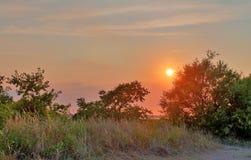 Tiros bonitos do por do sol tomados na praia de Laboe em Alemanha no dia de verão ensolarado de s fotografia de stock