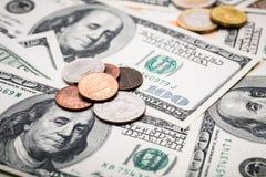 Tiros do close-up na lente macro de cem dólares de cédula Fotografia de Stock